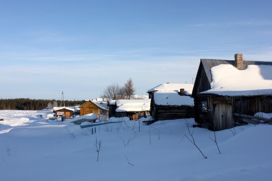 Entering Pomor village of Kovda