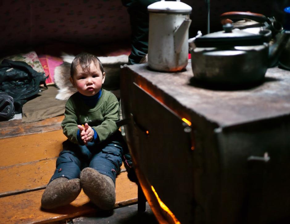 Inside a modern Nenet chum