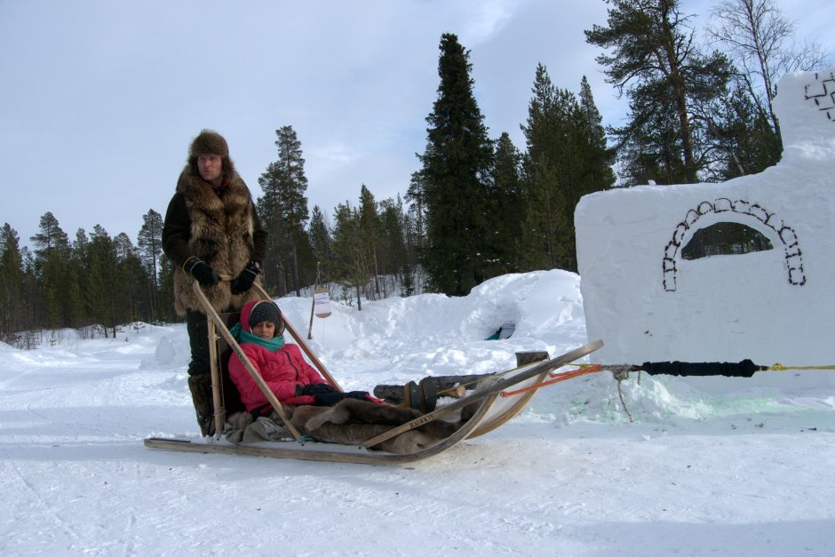 Tourist sledging in Norway