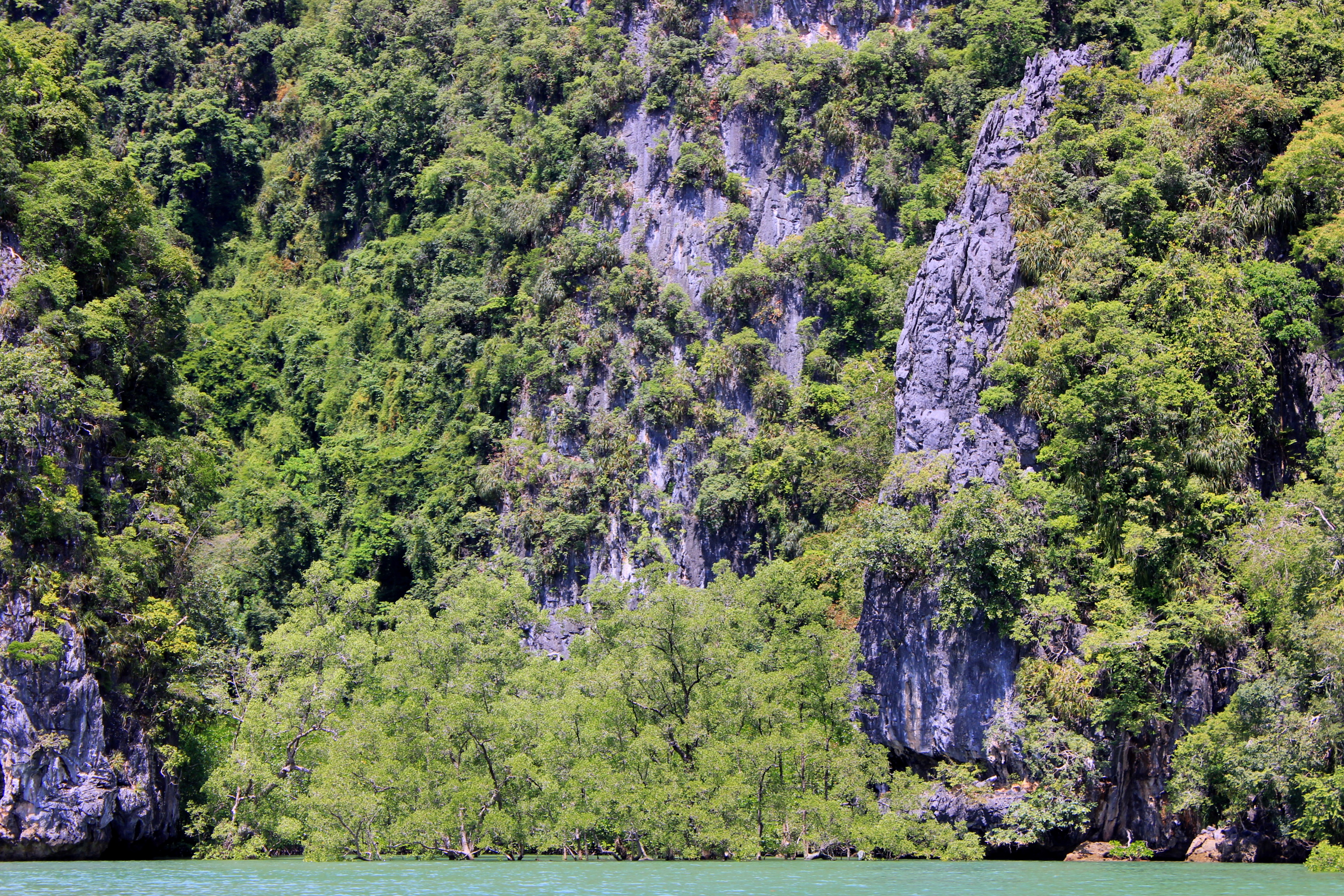 With dramatic limestone cliffs